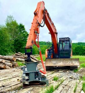 image of excavator with pincers for Nashville Land Clearing