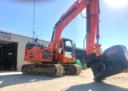 image of excavator for Midstate Land Clearing and Forestry Mulching LLC